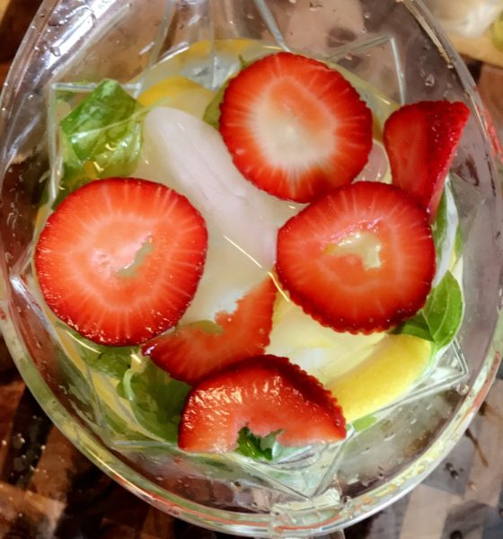 Simple, Summer-Strawberry Infused Water🍓🌿🍋